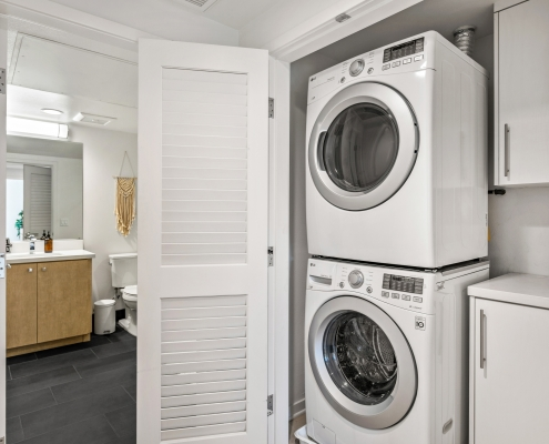 Laundry Room w/Full Size Units
